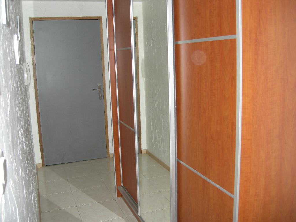 location louer appartement de 2 pi ces amneville 57360 en moselle agence immobili re. Black Bedroom Furniture Sets. Home Design Ideas
